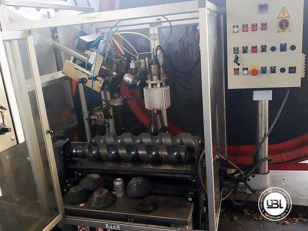 Used Capsuling Machine Robino & Galandrino VULCAN 3000 L - 2