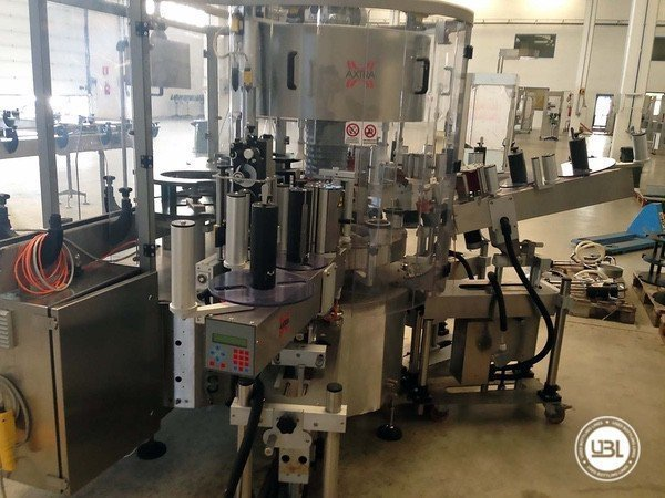 Used Bottle Labeler Axtra 720-H6-SA3 5000 bph year 2012 - 1