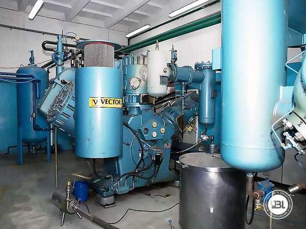 Linha completa de PET para Refrigerantes, Água com Gás, Água - 12
