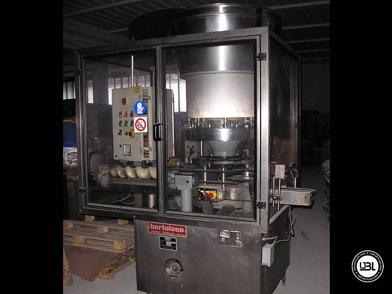 Used Capping Machine Bertolaso JOTA 8 Heads 14000 Bph Straight cork - 1