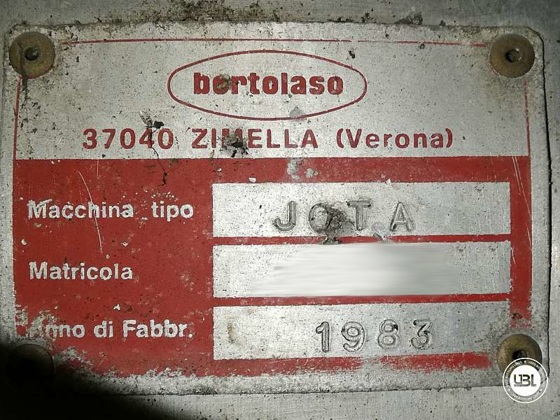 Used Capping Machine Bertolaso JOTA 8 Heads 14000 Bph Straight cork - 6