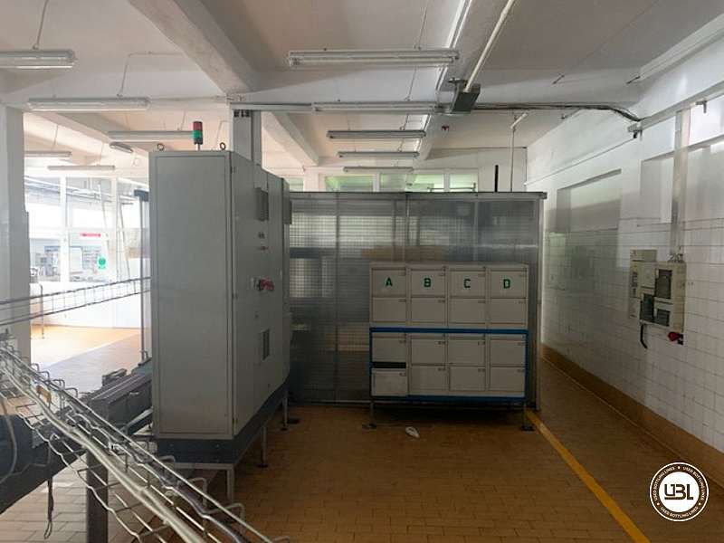 Used Complete PET Bottling Line for Flat Drinks and Water 9600 bph - 21