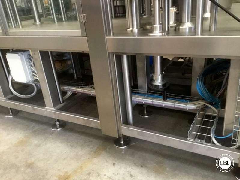 Tribloc de Remplissage à chaud d'occasion F&P Machinery Unica HF verre-PET 24.8.24.6 - 16