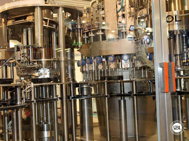 Tribloc de Remplissage à chaud d'occasion F&P Machinery Unica HF verre-PET 24.8.24.6 - 18