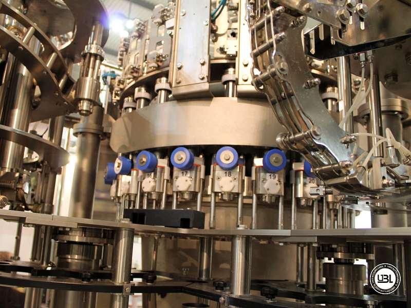 Tribloc de Remplissage à chaud d'occasion F&P Machinery Unica HF verre-PET 24.8.24.6 - 19