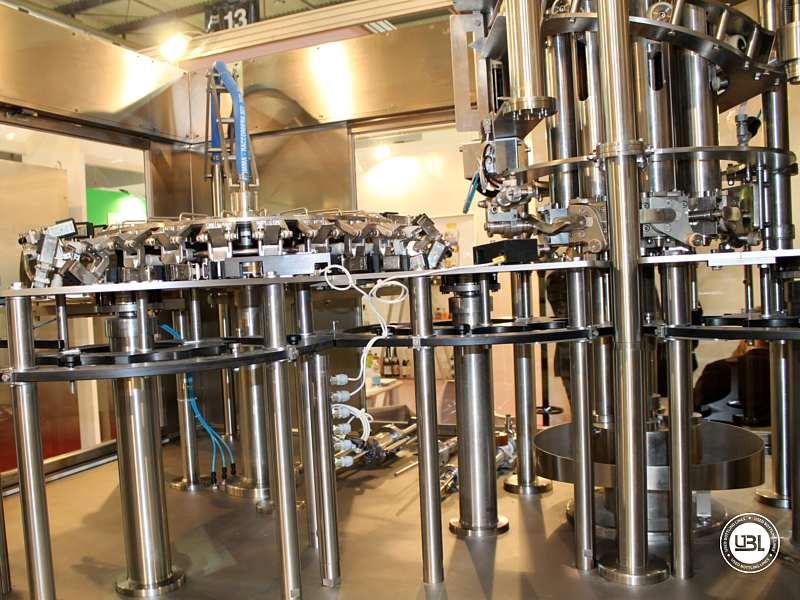 Tribloc de Remplissage à chaud d'occasion F&P Machinery Unica HF verre-PET 24.8.24.6 - 20