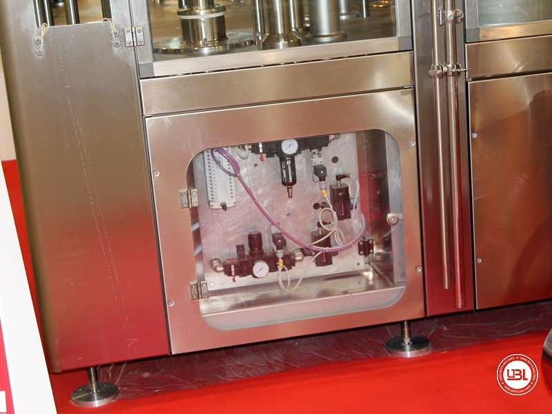 Tribloc de Remplissage à chaud d'occasion F&P Machinery Unica HF verre-PET 24.8.24.6 - 22