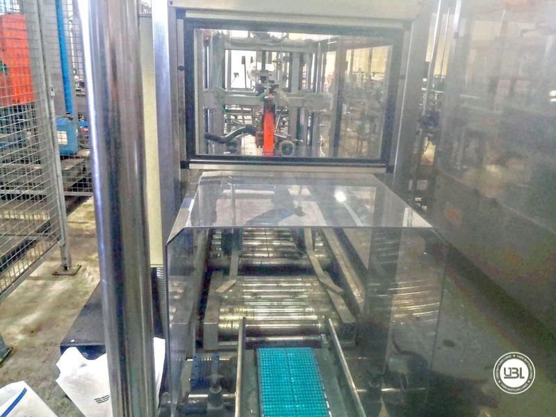 Chiudi cartoni automatico usato Keber Incolpack 1 SK 8000 bph anno 2002 - 3