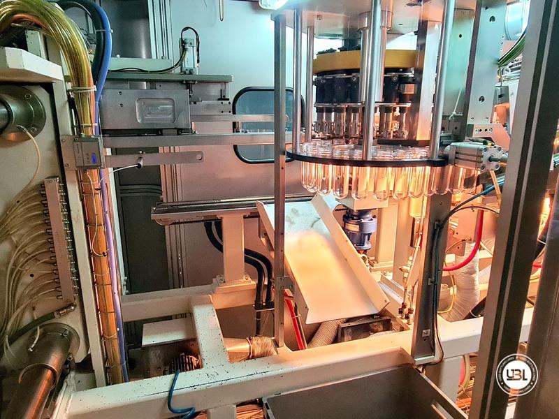Soffiatrice rotativa usata per preforme in PET Siapi EA2S 5 Cavità anno 2011 3L – 5L fino a 3500 bph - 7
