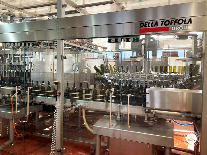 Used Bottling Isobaric Filling Triblock AVE Technologies ISO EP 48-64-12SF-8VA-6G 12.000 bph year 2018 - 3