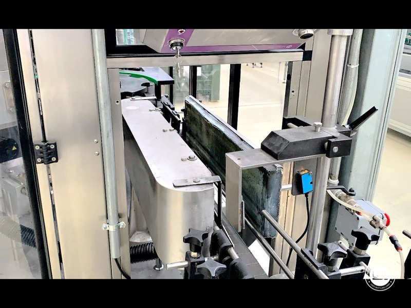 Etiquetadora automática rotativa usada P.E. Etiquetadoras modelo Universal Master 6000 bph año 2006 - 5